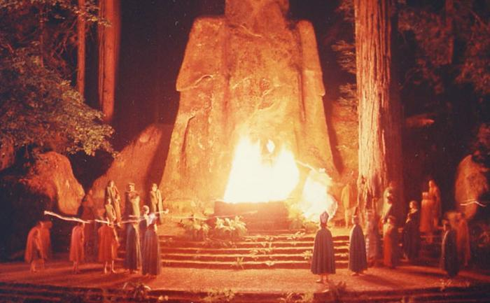 Bohemian_Grove_rituals_of_the_powerful
