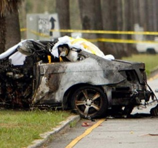 Crashed_car_of_Michael_Hastings