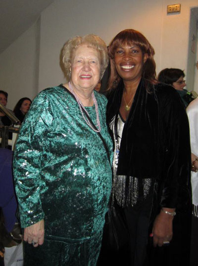 Dolores Cannon og Lorna Wilson.