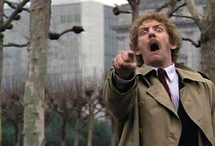 Donald Sutherland er i ferd med å sprette ut øyeeplene i filmen Invasion of the Body Snatchers fra 1978.